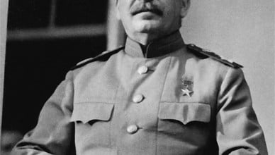 513px-CroppedStalin1943